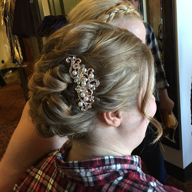 bridal hair with clip