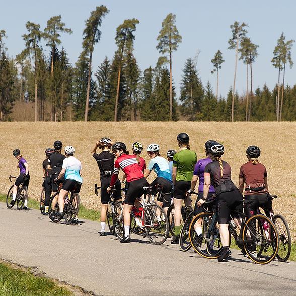 CMW Women Ride #fastandfemaleSUI Bern
