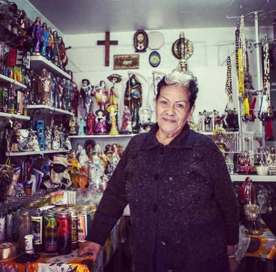 Doña Queta, die Patin der Santa Muerte Tradition