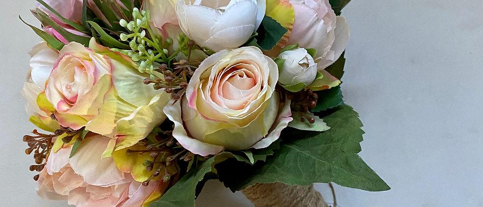 Kytice z umělých květin