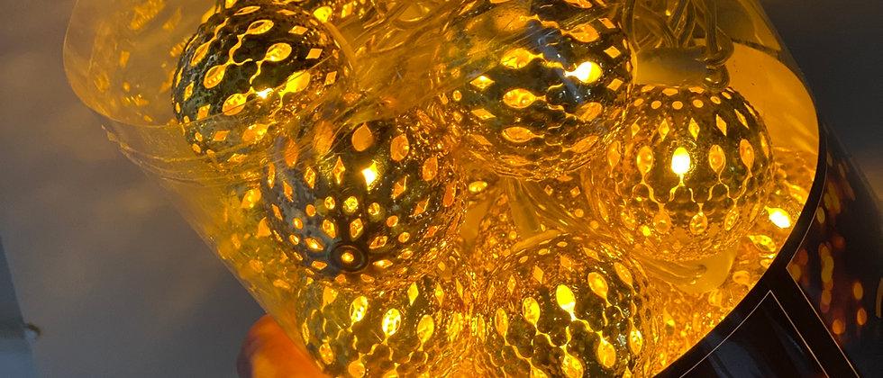 Světelná dekorace - zlaté koule