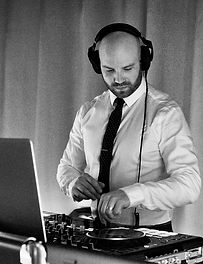Victoria Wedding and Corporate Event School Grad DJ Chris Poynter