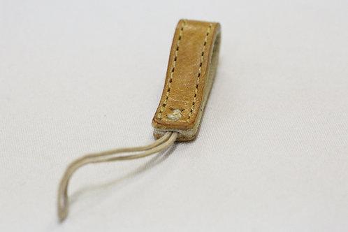 本革レザーフィンガーストラップ『Leather Factory ROBERU』コラボ製品