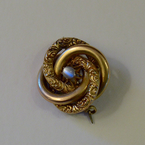 Antique Victorian 10k gold pin