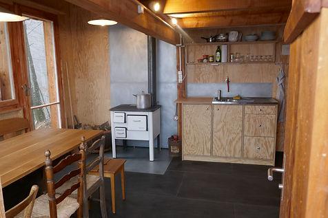 Atelier Aufenthaltsraum mit Küche zum Essen und Werken im Anbau für 8 Personen