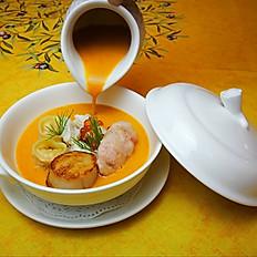 Jumbo Lump Crab Meat, Hokkaido Hotate & White Shrimp in Brown Crab Bisque