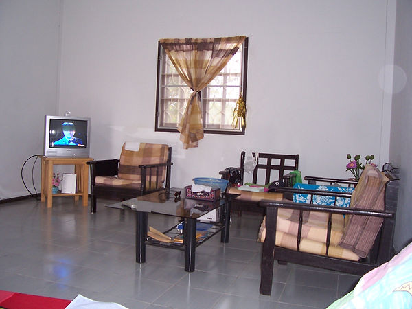 Living Room 2 Room Bungalow 07