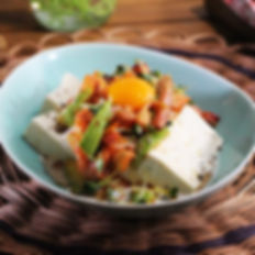 焼豚とアボカドのスタミナ豆腐.jpg