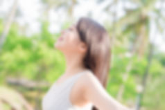 AdobeStock_116368453呼吸する女性.jpeg