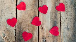 FOCUS : Nos looks romantiques & responsables pour la St Valentin