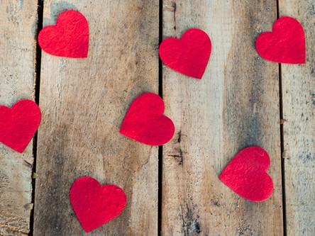 [IDEES DE LOOKS] Nos looks romantiques & responsables pour la St Valentin
