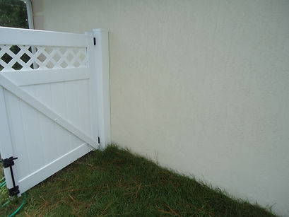 Clean fence and siding.jpg