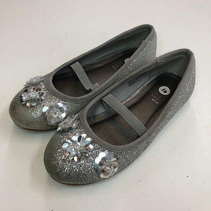 Shoes - Silver - Shoe size 10 (jr)