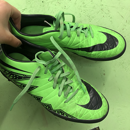 Football trainers - Nike - Shoe size 6