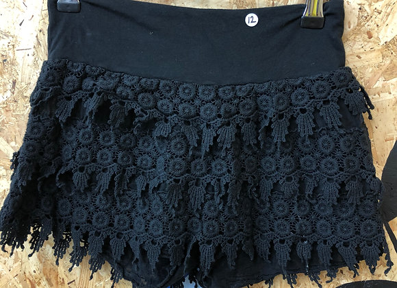 Shorts - Black flowers - Age 12