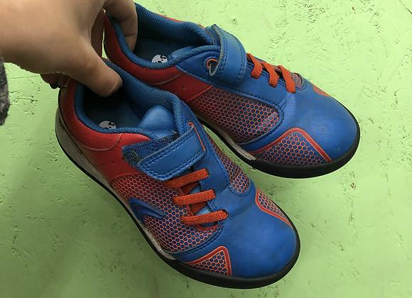 Football trainers - Velcro - Shoe size 10.5 (jr)