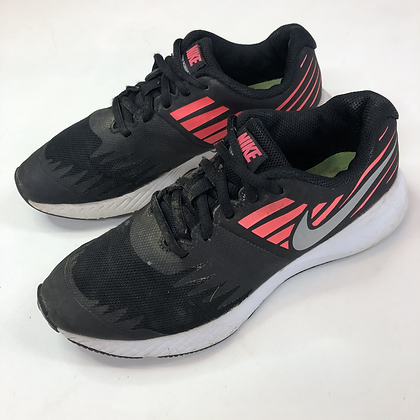 Trainers - Nike - Shoe size 4