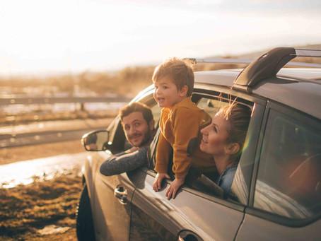 Raul de masina si Uleiurile esentiale – ajutor din natura pentru drumuri linistite