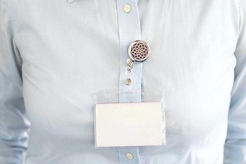 Clips aromaterapie cu snur retractabil pentru ecuson legitimatie sau badge cu difuzor uleiuri esentiale - Floare