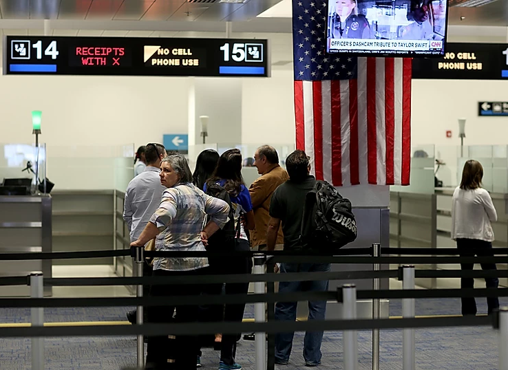 Trump proíbe a entrada de viajantes vindos do Brasil nos EUA