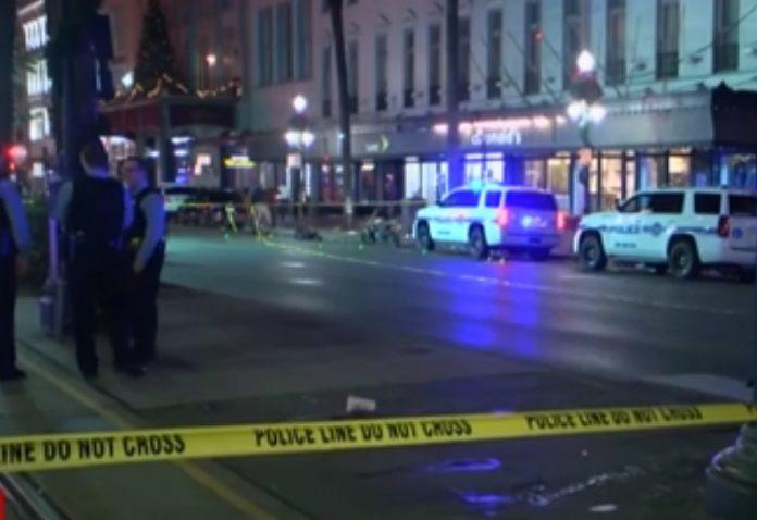A Polícia ainda busca informações sobre o atirador e, também, se ele agiu sozinho (Foto: Reprodução da TV – CNN)