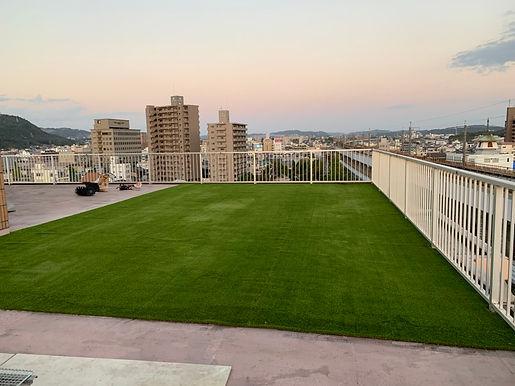 屋上に人工芝でリフォーム