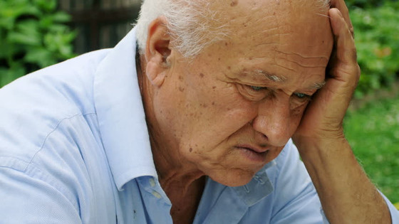 How to Tell if Someone With Alzheimer's Needs Assisted Living