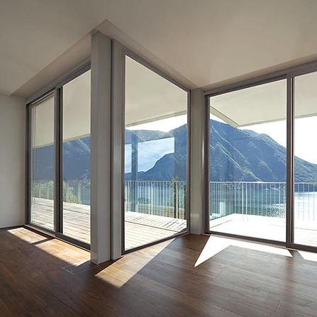 Porta-finestra in legno-alluminio Sciuker