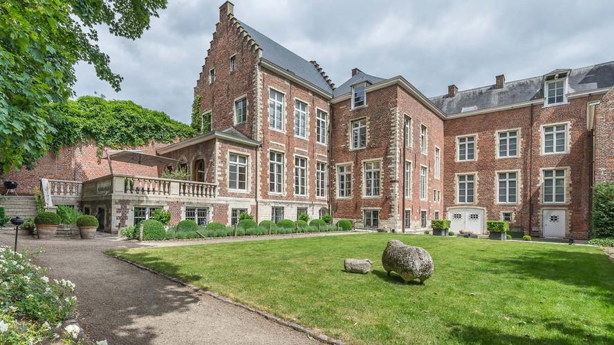 17th Century Mansion