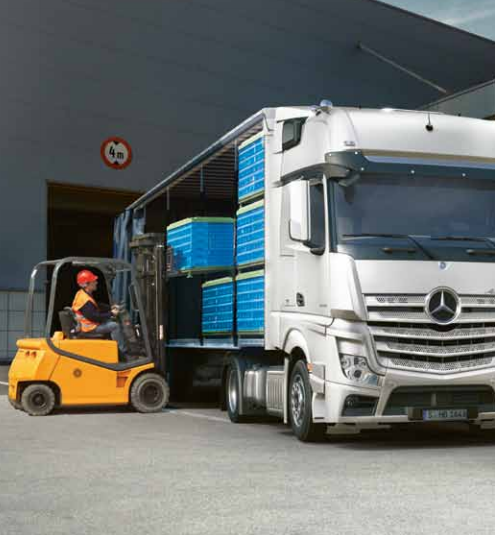 Benz Actros - loading image small versio