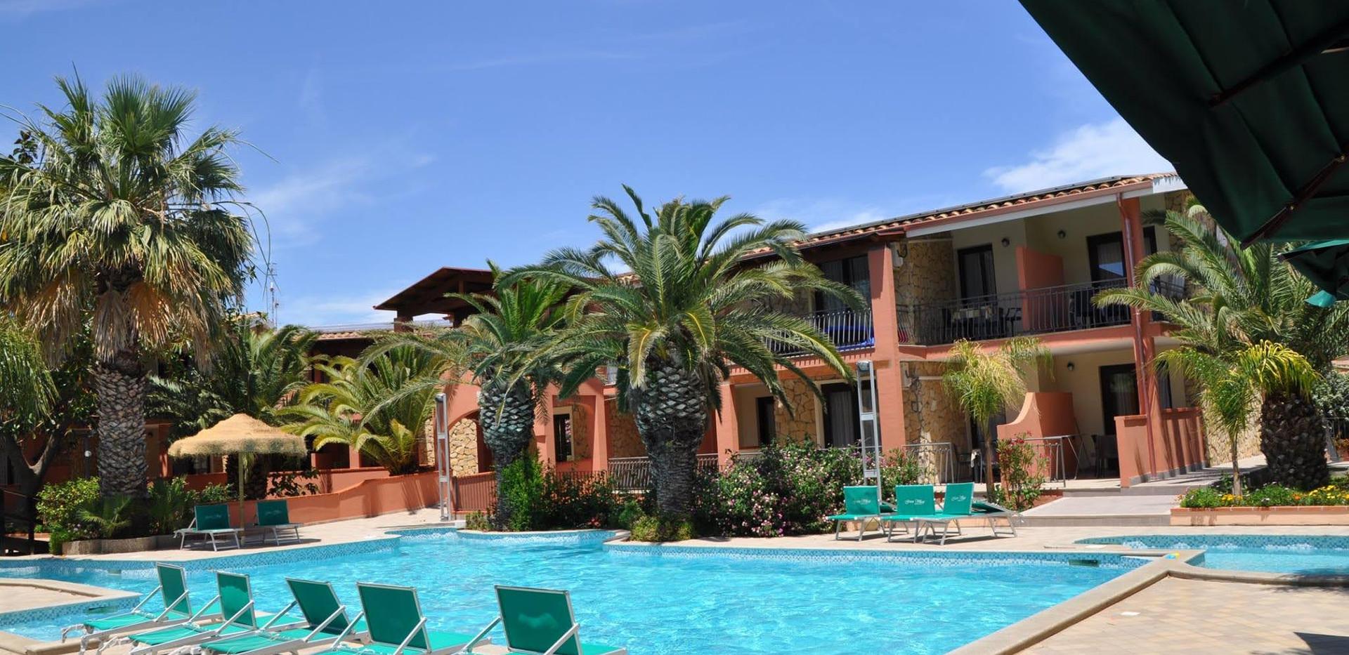 piscina 4 green village resort.jpg