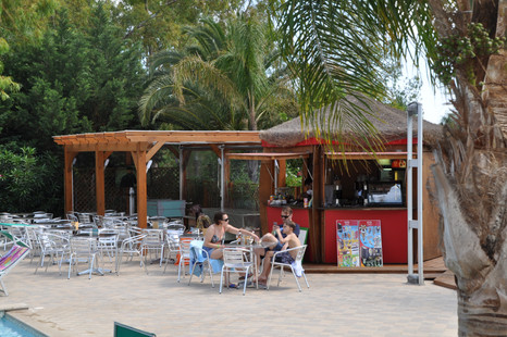 pool snack bar green village resort 3.JP