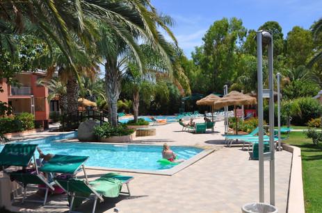 piscina 5 green village resort.jpg