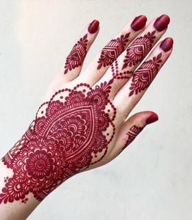 red mehndi design