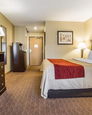 Comfort Inn Room.JPG
