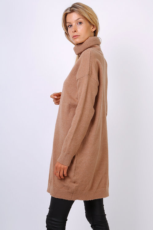 chunky camel jumper