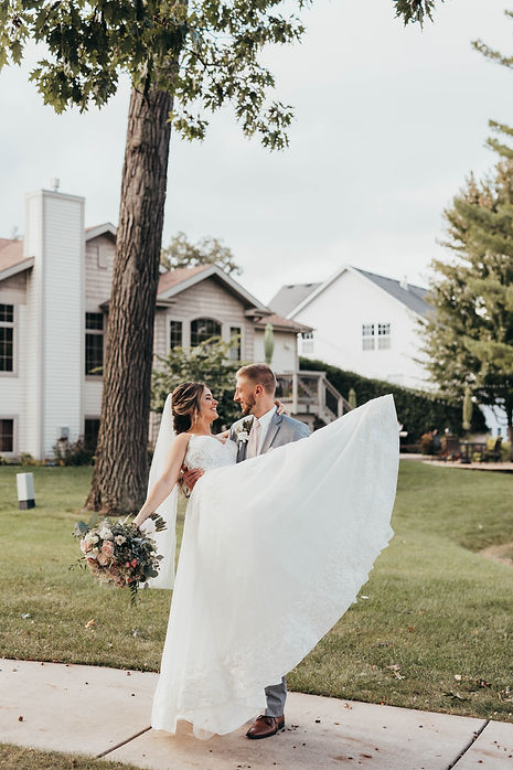 BrideGroomPortraits-44.jpg