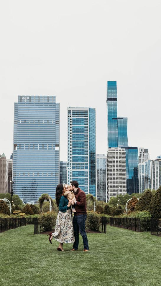 Chicago Art Museum & Grant Park Family Session | Piatt Family