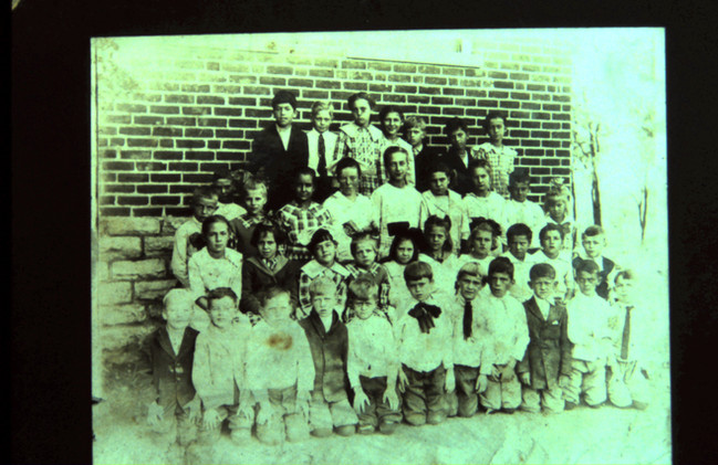 07 - Early Class Picture 1920's.jpg