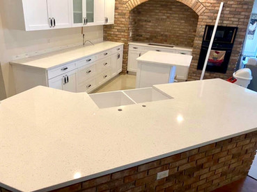 Quartz Countertop with double-bowl farm sink