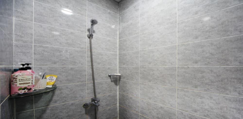 진주 충무공동 플라워테라피 샤워실