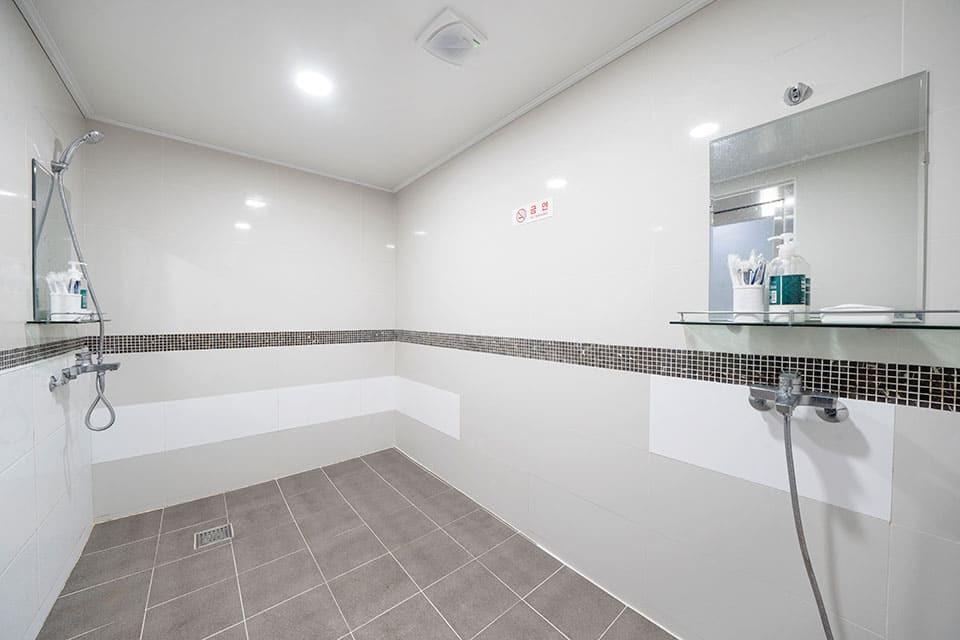 제주 디에이치아로마 샤워실