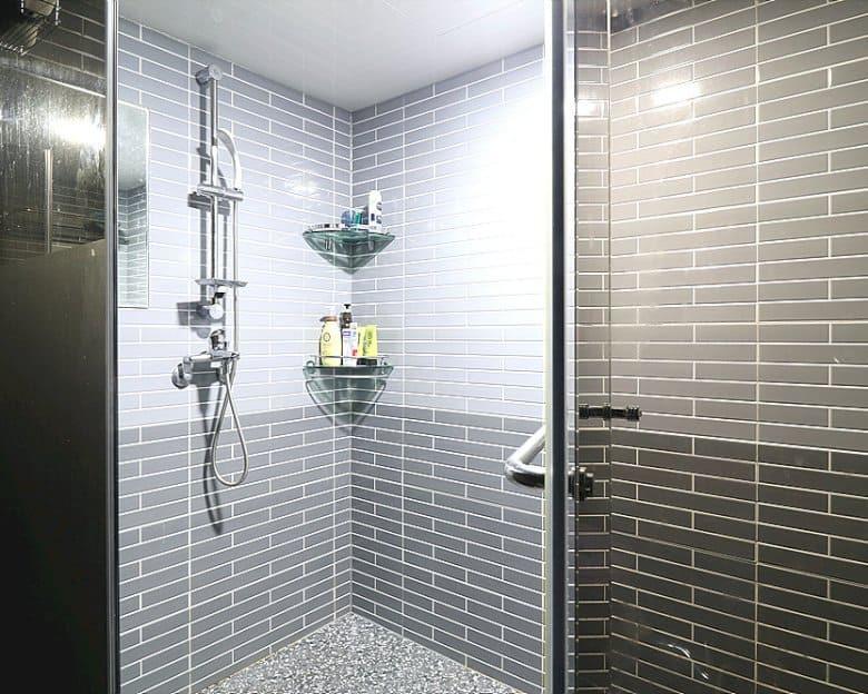 부산 문현동 레전드테라피 샤워실