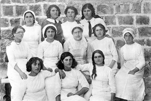 Kinneret School 1912.jpg