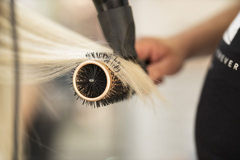 hairdresser-4769976_1920.jpg