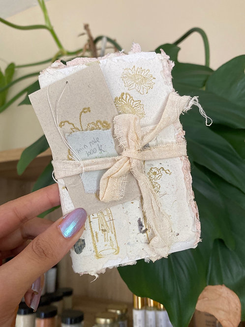 Recycled paper mini notebook (10 pages) by papers and flowers