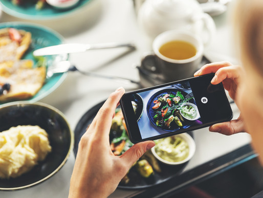 5 Reasons Why Your Restaurant Needs a Social Media Manager