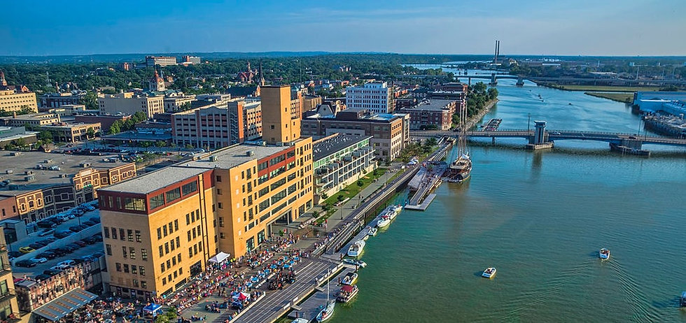 downtown_green_bay_citydeck_along_the_fo