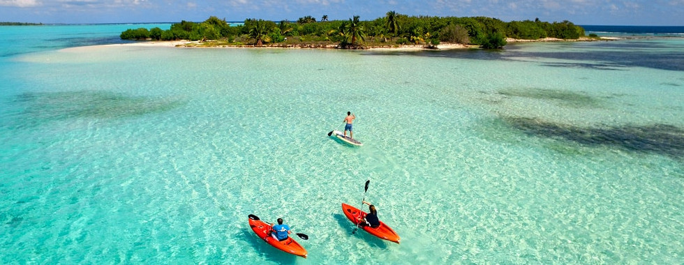 little-cayman-kayakers-island-1060x403-m