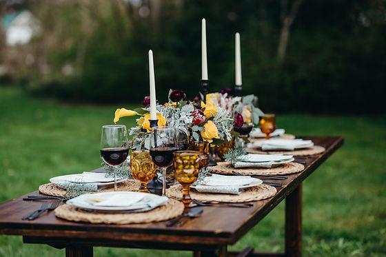 Heisen Hosue Vinyard PNWFarm table vintage inspired wedding decor